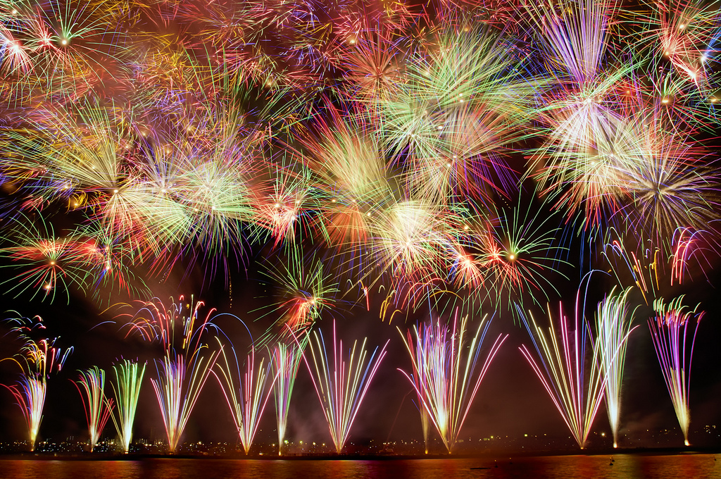 Edogawa fireworks, japan italy bridge